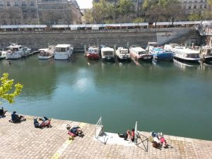Picnic unusual things to do in Paris by PARIS BY EMY